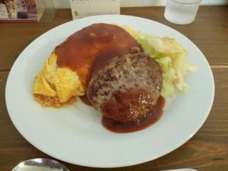 洋食屋 - ハンバーグ+オムライス