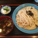 一休 - 地粉うどん2玉、肉汁 600円 ※村山地粉フェスタ2018