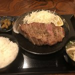キセキ食堂 - キセキ定食のステーキ全体像