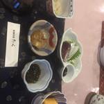 91068185 - もずく酢 ナーベラー胡麻味噌和え セーイカと鰹お造り