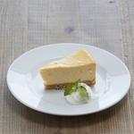One's BREWERY Pub Kitahama - NYチーズケーキ