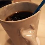 Hachi Cafe - アイスコーヒーとピーチソーダ