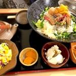 板前バル - てんこ盛り漬け丼のあごだし茶漬け御前¥1400