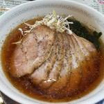 中国料理 四川彩館 - 冷やしネギ叉焼麺 (1080円) / チャーシューサイド
