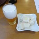 長崎屋食堂 - 料理写真:ビールとおとおし