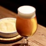餃子とスパークリング バブルス - 生ビール