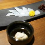 萬房 - 活〆うまづらはぎ 肝醤油 ¥1,080