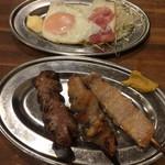 づめかん - 目玉焼き¥100!!、串焼き3本セット¥250(豚バラ、ぽんぼち、豚レバー)