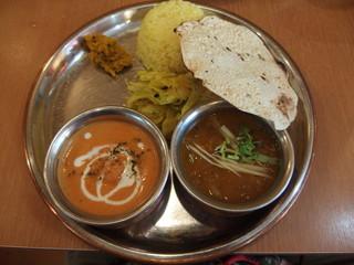 やっぱりインディア - ホリデーランチ(2種豆カレー+クリーミーエビカレー)