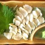 鳥しん - 小さいアワビの様な、貝刺(名前は忘れましたm(__)m)。美味しくて安い!