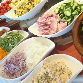 【ランチ】朝取れ野菜のサラダブッフェ