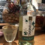 91119078 - あ、白ワインも飲んでるわ!