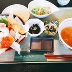 あら浜 - 漁師丼(2,500円)