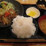 南国惣菜デリ&デリ - 豚肉ウスターソース焼定食 750円