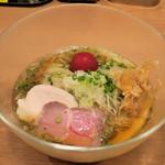 雅楽 - 冷やし鮭節稲庭中華そば950円
