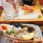 海鮮居酒屋 大和水産 - 車海老刺身  200 岩牡蠣  450