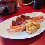 焼肉と韓国料理 葉山 -