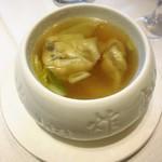 天厨菜館 - ワンタンスープ