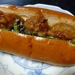 くるみのパン屋さん - 料理写真:からあげドッグ(130円)
