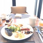 アトモス・ダイニング - 朝食