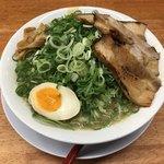 釈迦力 雄 - 料理写真:豚骨細麺 通常価格760円(税込)