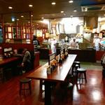 丸亀製麺 - 店内の様子。足立区入谷のファストフード店