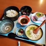 食処恵乃喜 - 「松花堂弁当風 麦とろ膳 (2100円)」のメイン