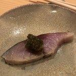 鮨 さかい - 淡路のゴマ鯖を〆て炙って