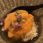 鮨 さかい - 噴火湾の毛蟹と根室の馬糞ウニ