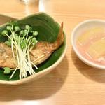 寿司・うなぎ 羽子吾 - お通し(豆鯛の煮付け&とうがんの煮物
