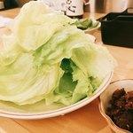 博多中洲 ぢどり屋 - 料理写真:スターターは肉みそレタスしゃんば頼むとよ♪