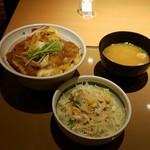 91178049 - カツ丼680+野菜サラダ90円