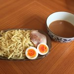 セブンイレブン - 料理写真:冷凍チャーシュー盛つけ麺 税込270円。味付け茹で玉子2個入り 税込146円。