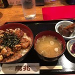 91182733 - 焼鳥丼(950円)