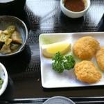 レストランこぶし - 料理写真:ヒレカツ定食 900円 写真はカツを一つ食べたあと