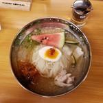 91195906 - 韓式冷麺(820円)です。