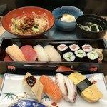 びっくり寿司 - 夏のランチ 並にぎり1.5人前 1500円