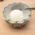 びっくり寿司 - セットのデザート レモンシャーベット