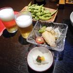 秋田比内や - 料理写真:ビール&お通し