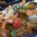 オリーブ・キッチン - 海の幸たっぷりのパエリア