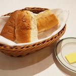 91206823 - サービスのパン3種