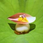 銀座 しのはら - 料理写真:蓮根豆腐と雲丹