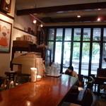 カフェ・ロフェル - 雰囲気のいい店内