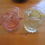 炊き餃子・手羽先 オクムラ - 苺 あらごし桃酒と白州十年ハイボール
