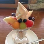 ハタケカフェ - 季節のパフェ(8月) 648円