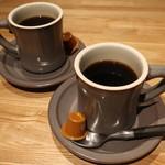 タブレスクック&ジョナサンズ ブックストア - ホットコーヒー