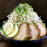 ラーメン富次郎 - 料理写真:汁無し塩ラーメン 野菜マシマシ1キロ!