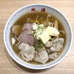91235431 - しおラーメン(820円)+ワンタン(100円)+バター(100円)
