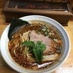 ら~めん ひの木 - 辛味ラーメン(中辛、中太麺)750円