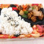 旬の市場 - 酢豚弁当(398円)
